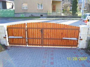 http://www.svarforum.cz/forum/uploads/thumbs/8435_29_vrata-brany-003.jpg